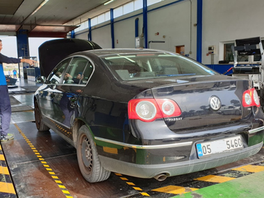VW Passat at ITV test centre