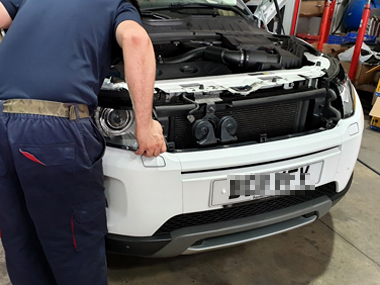 Range Rover with technician