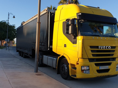 Car Transporter early morning